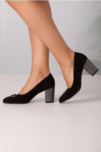 Pantofi negri de piele cu strasuri pe toc