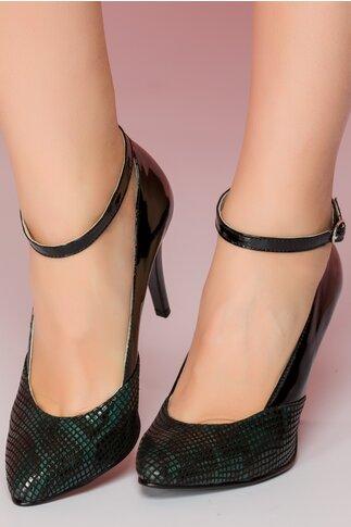 Pantofi negri din piele lacuita cu bareta si imprimeu snake in nuante de verde