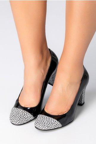 Pantofi negri lacuiti cu insertii albe