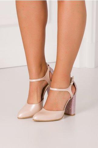 Pantofi nude rose perlat cu motive florale la spate