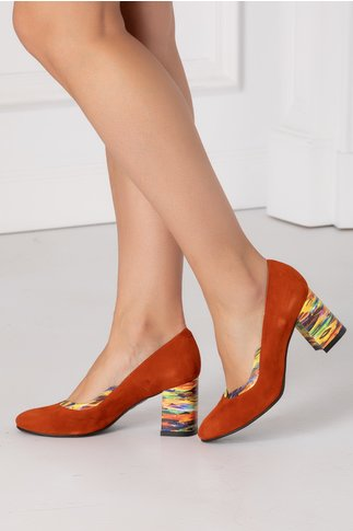 Pantofi orange cu tocul colorat