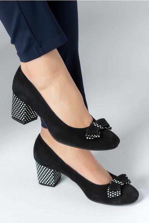 Pantofi Osir negri cu toc cu buline si funda