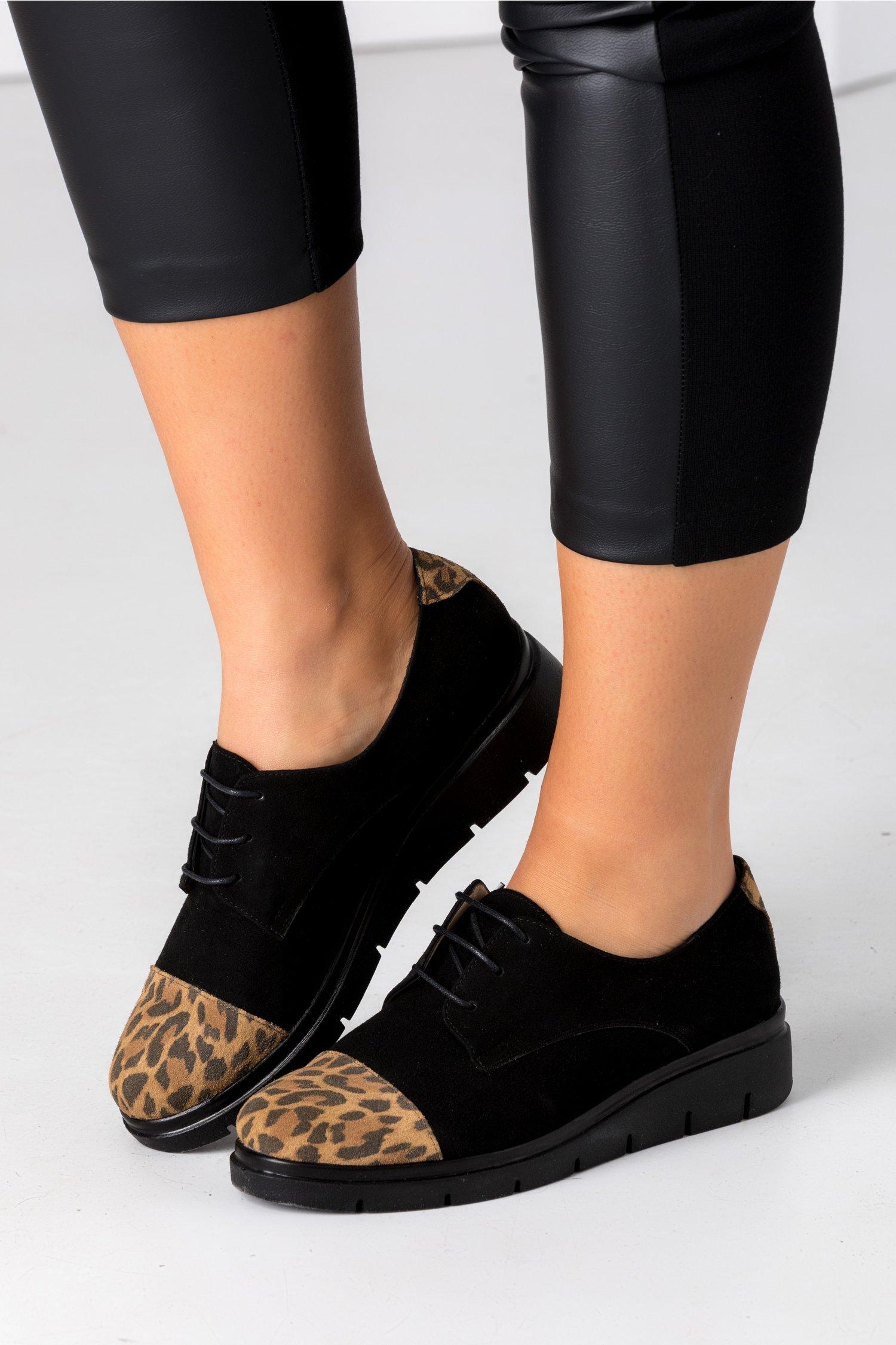 Pantofi Oxford negri cu animal print