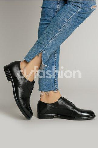 Pantofi Oxford Negri cu Talpa Joasa si varf Lacuit