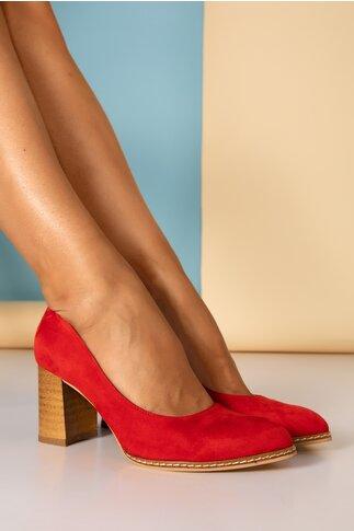 Pantofi rosii cu toc gros si cusaturi laterale