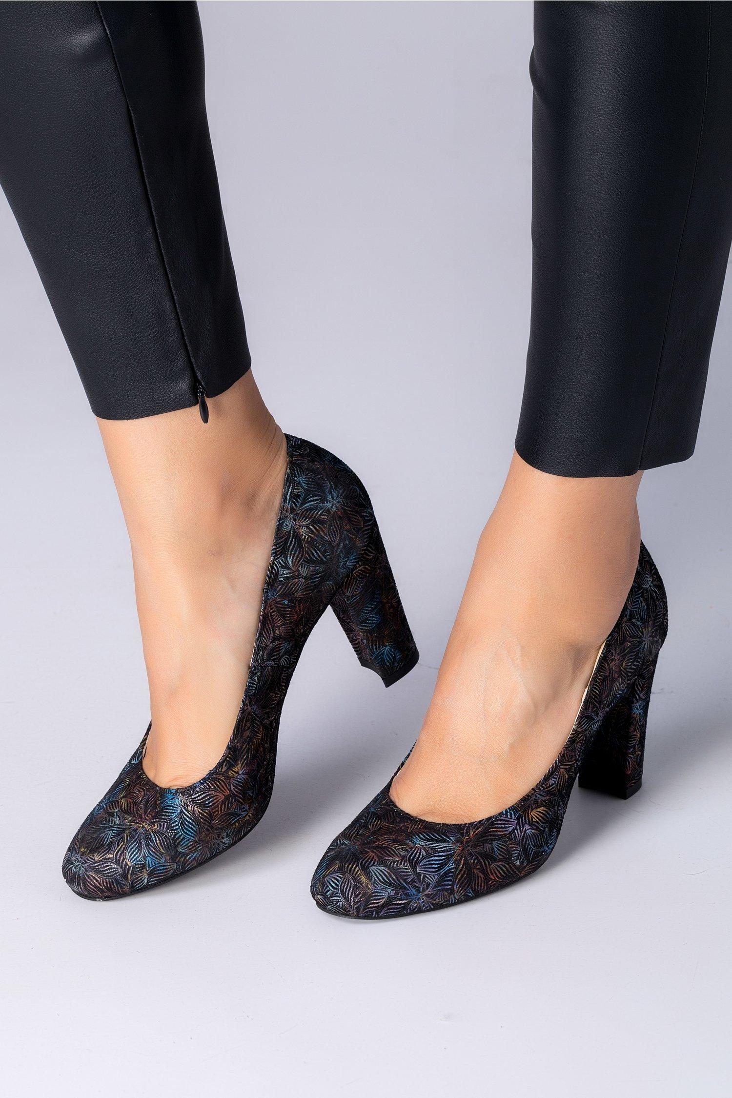Pantofi Sofia negrii cu motive florale