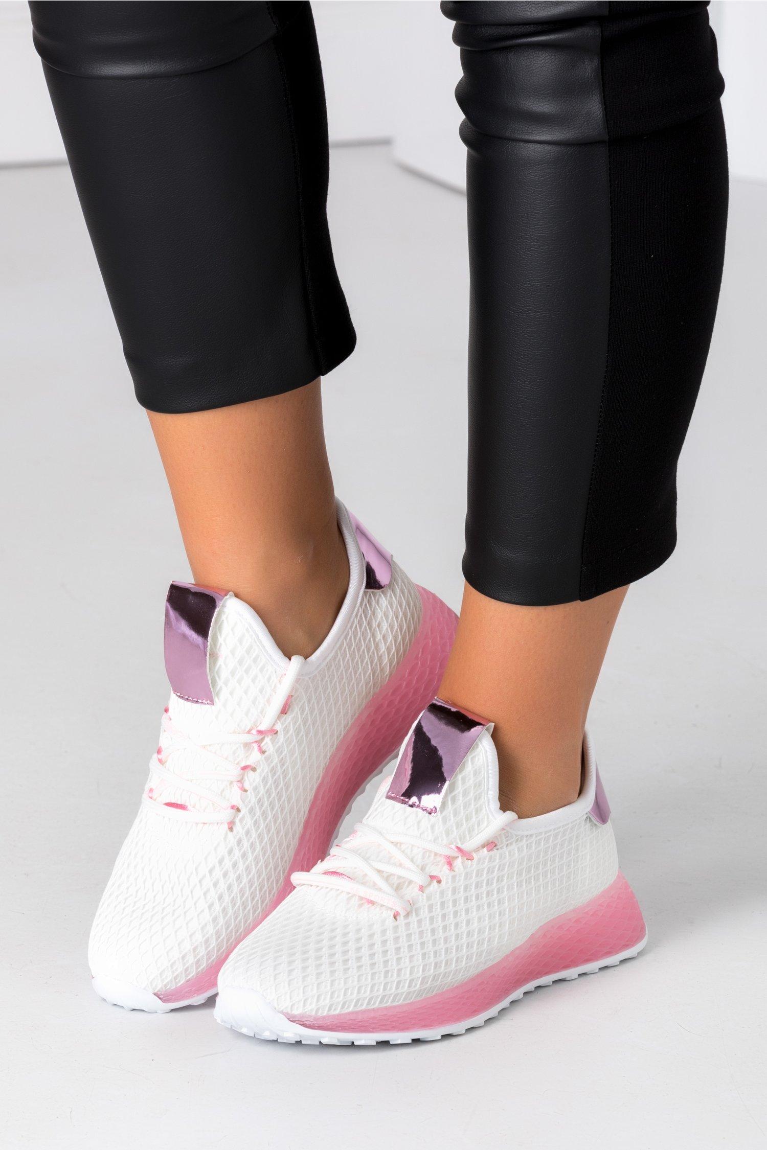 Pantofi sport albi cu talpa roz
