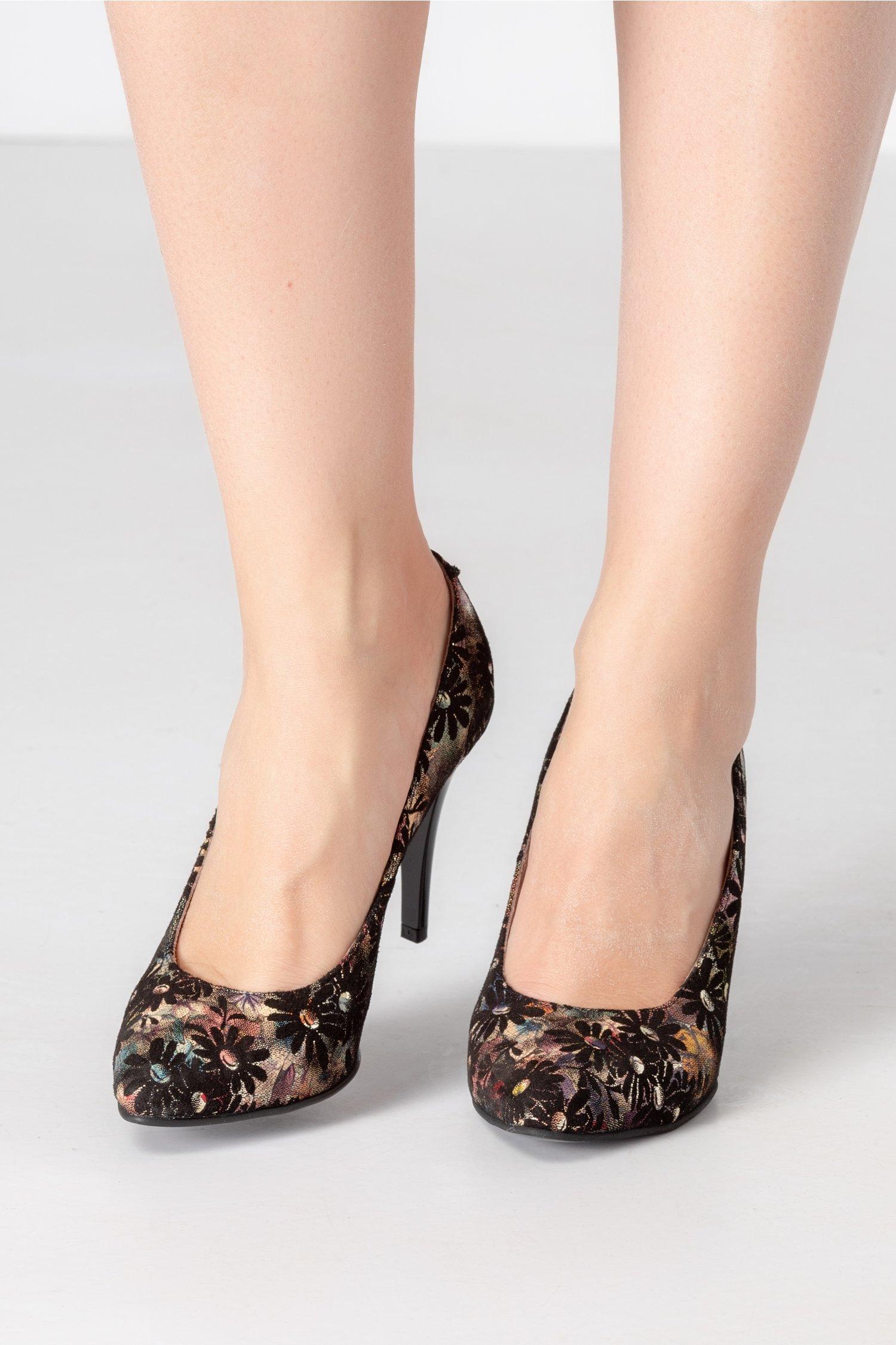 Pantofi stiletto cu imprimeu floral si detalii aurii