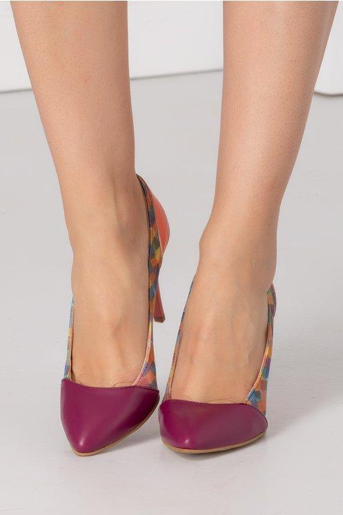 Pantofi stiletto magenta si corai cu imprimeu pe laterale
