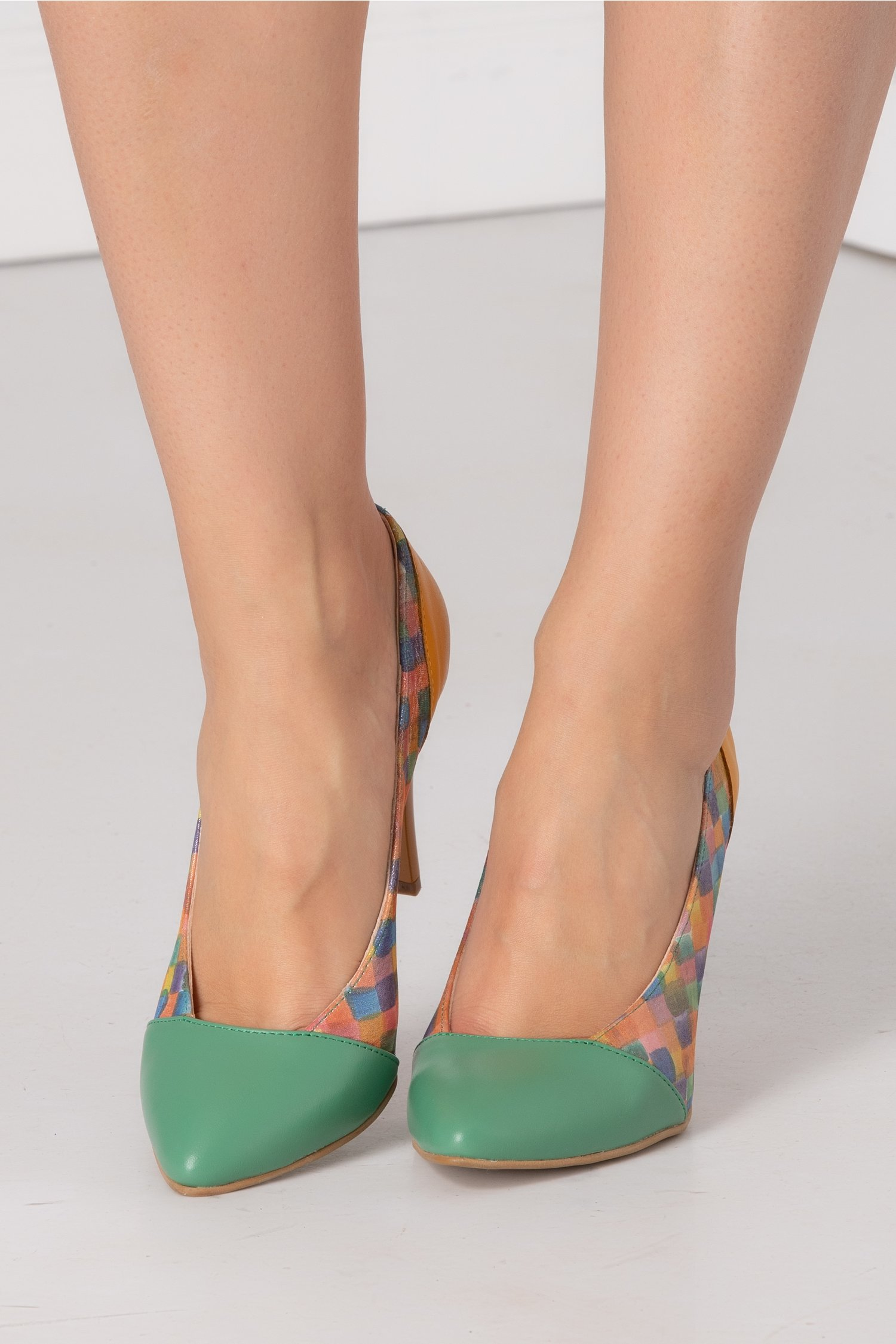 Pantofi stiletto verde si galben cu imprimeu pe laterale