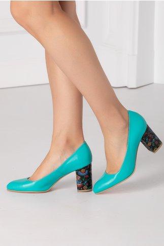 Pantofi turcoaz cu insertii florale pe toc
