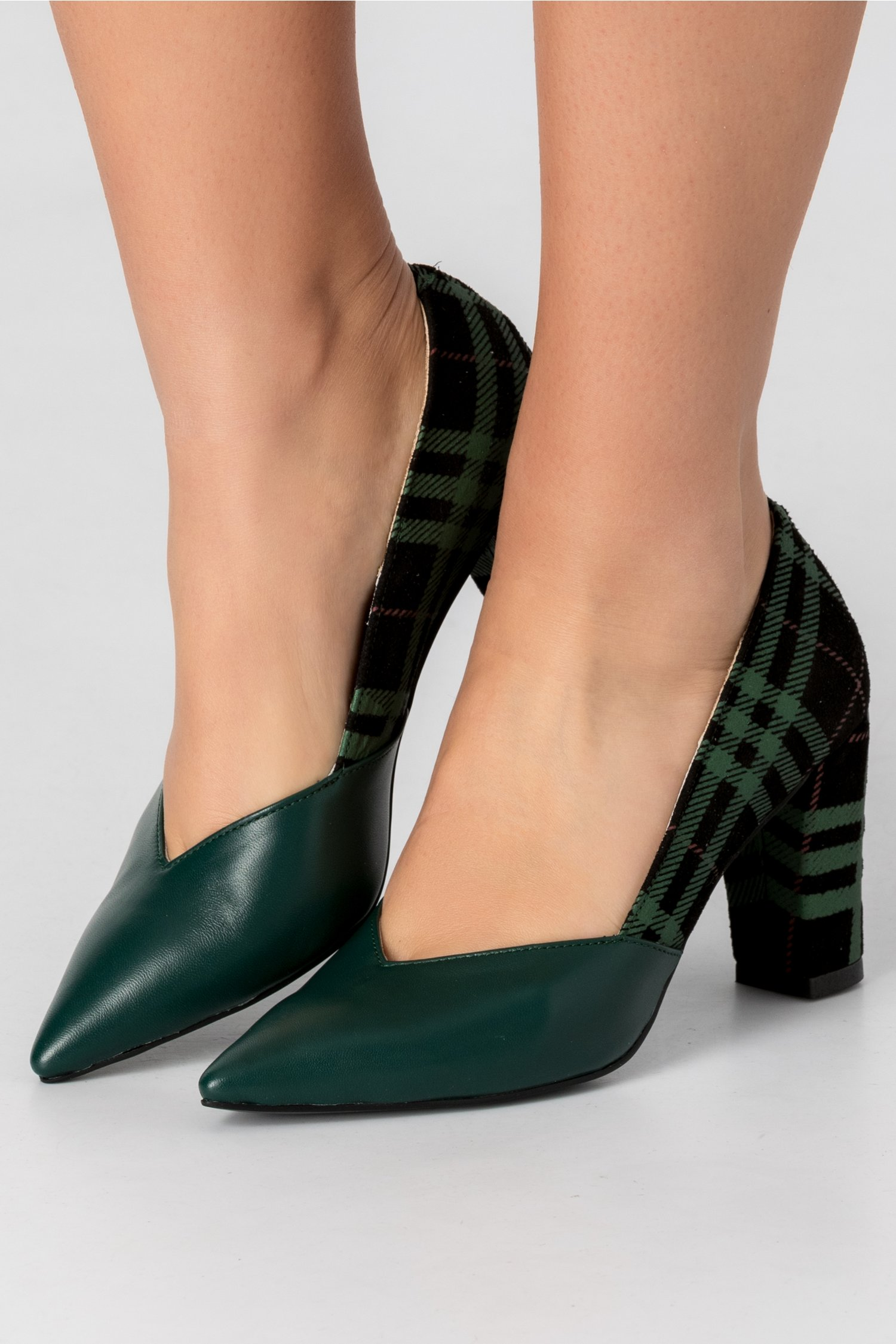 Pantofi verde inchis cu imprimeu in carouri la spate