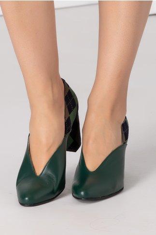 Pantofi verzi cu carouri la spate