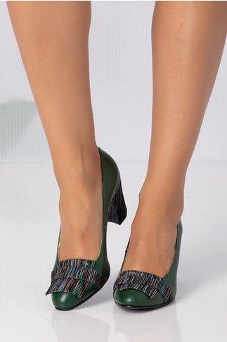 Pantofi verzi cu insertii multicolore pe varf si pe toc