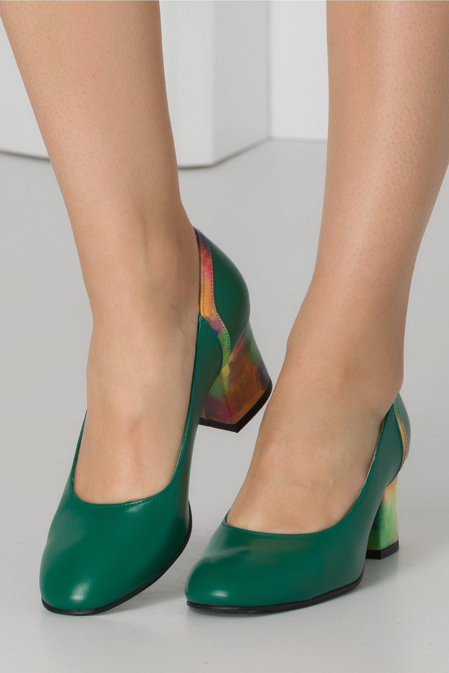 Pantofi verzi cu insertii watercolor multicolore