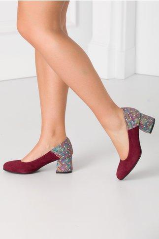 Pantofi visinii cu imprimeu multicolor in partea din spate