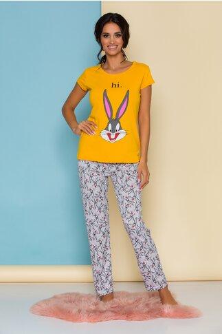 Pijama Bugs Bunny cu bluza galbena si pantaloni gri cu imprimeuri