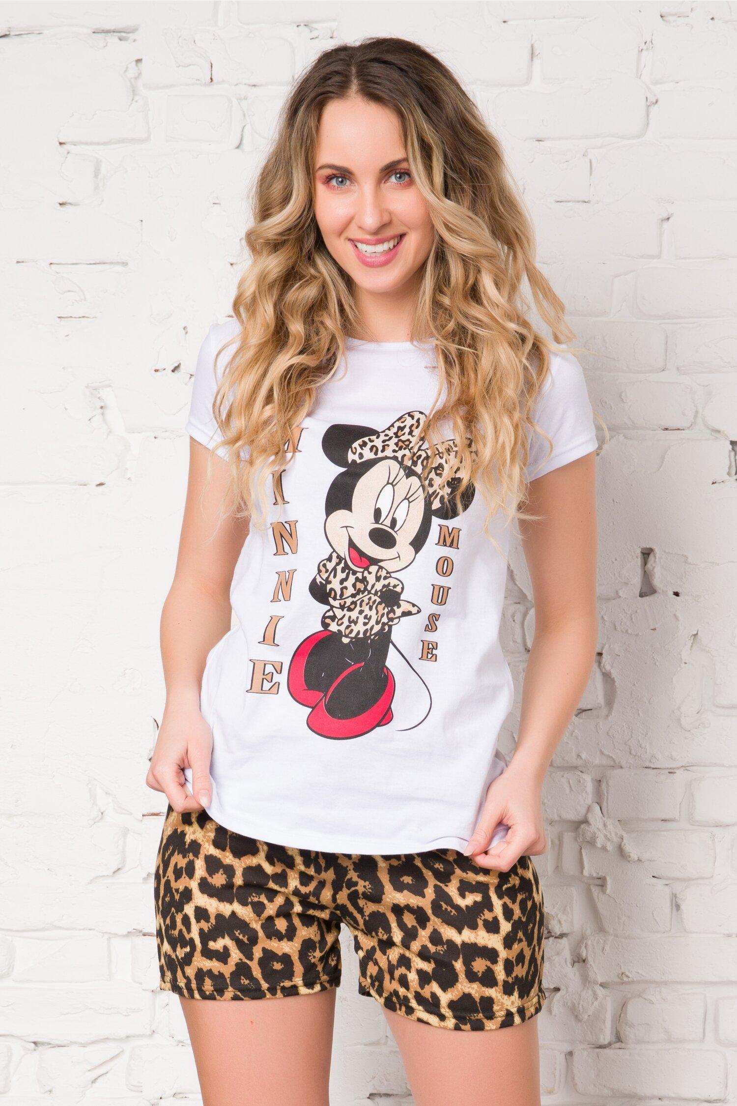 Pijama cu tricou alb si pantaloni scurti cu animal print