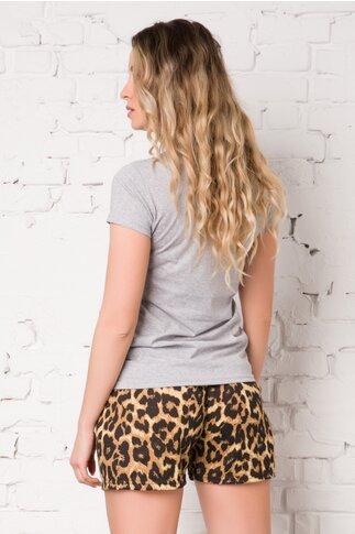 Pijama cu tricou gri si pantaloni scurti cu animal print