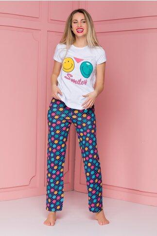 Pijama Smile cu tricou alb si pantaloni bleumarin