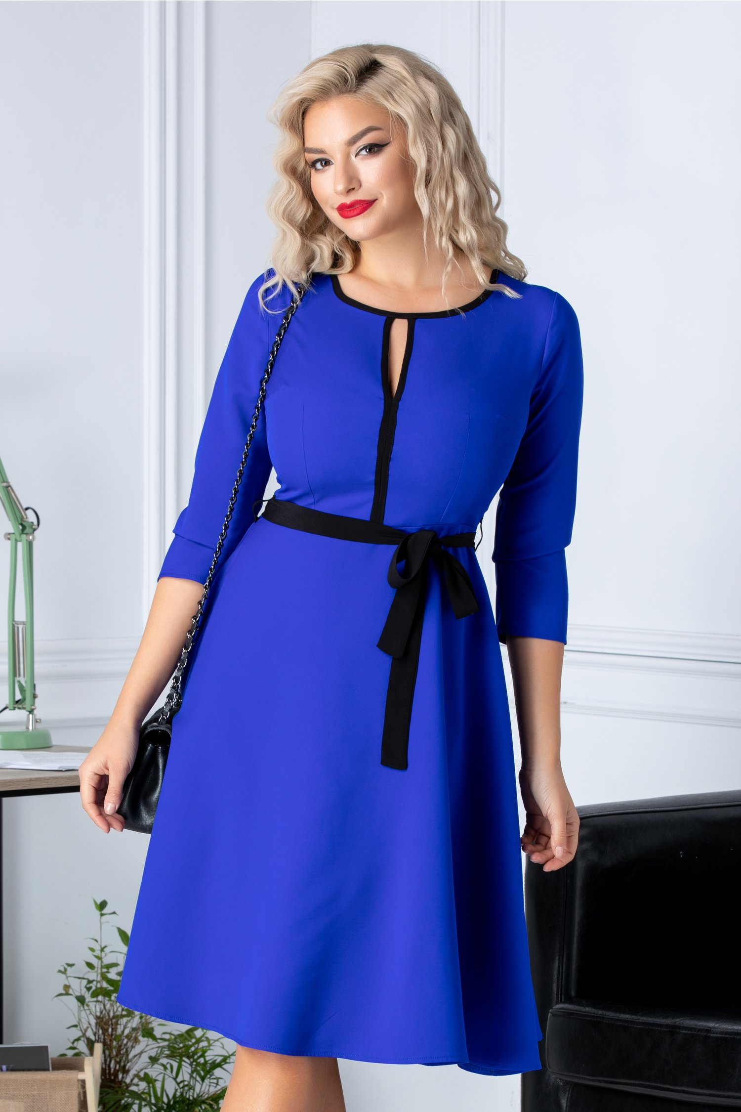 Rochie Ade clos albastra cu cordon in talie