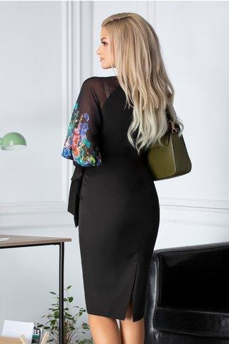 Rochie Alesia neagra cu maneci din voal cu flori colorate