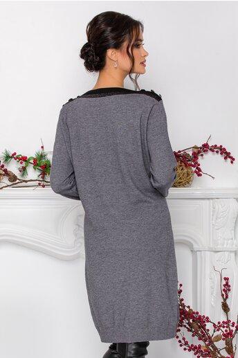 Rochie Alexa gri din tricot cu nasturi decorativi la umeri