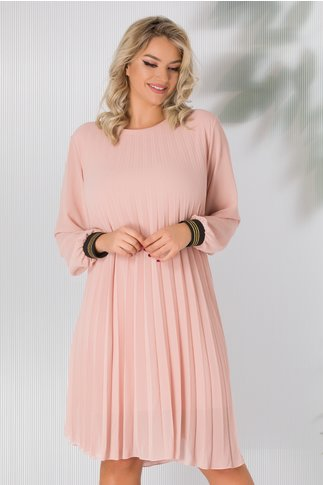 Rochie Alexandra roz prafuit din voal plisat