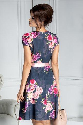 Rochie Alexia clos bleumarin cu trandafiri roz