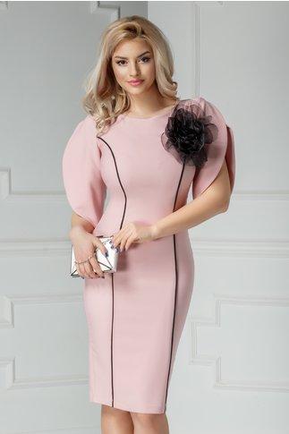 Rochie Amaro roz de ocazie cu dungi si brosa