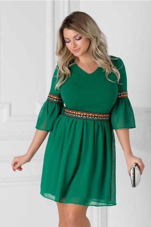 Rochie Amber verde cu motive etno si cordon in talie