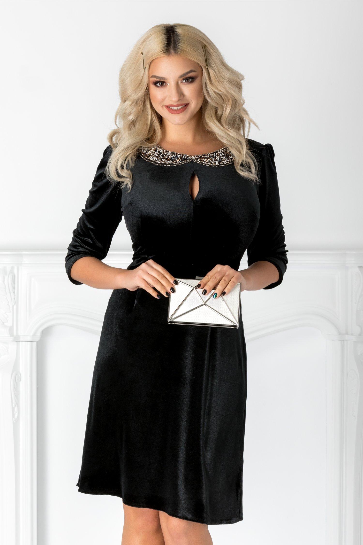 Rochie Amina neagra din catifea cu guler din margele