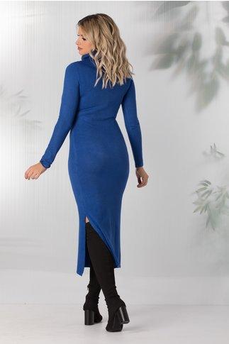 Rochie Andreea albastra tricotata cu guler maxi