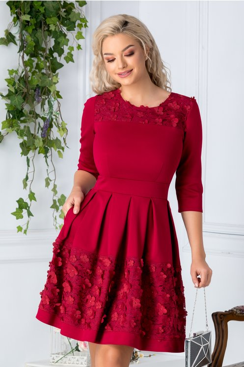 Rochie Angy rosu inchis cu broderie florala