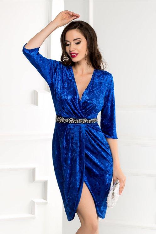 Rochie Anissa albastra din catifea cu reflexe si strassuri