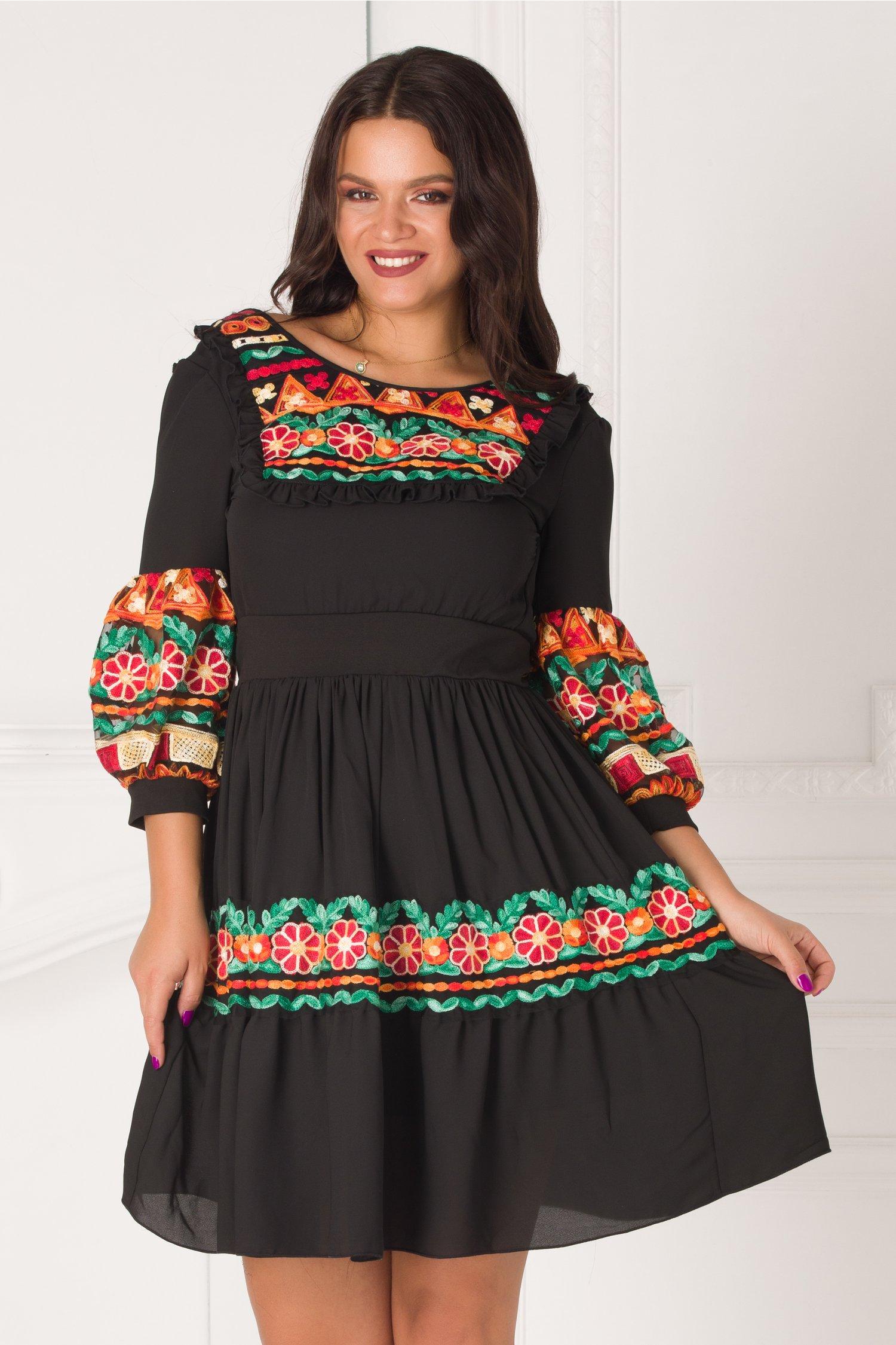 Rochie Antonia neagra cu motive traditionale si maneci bufante