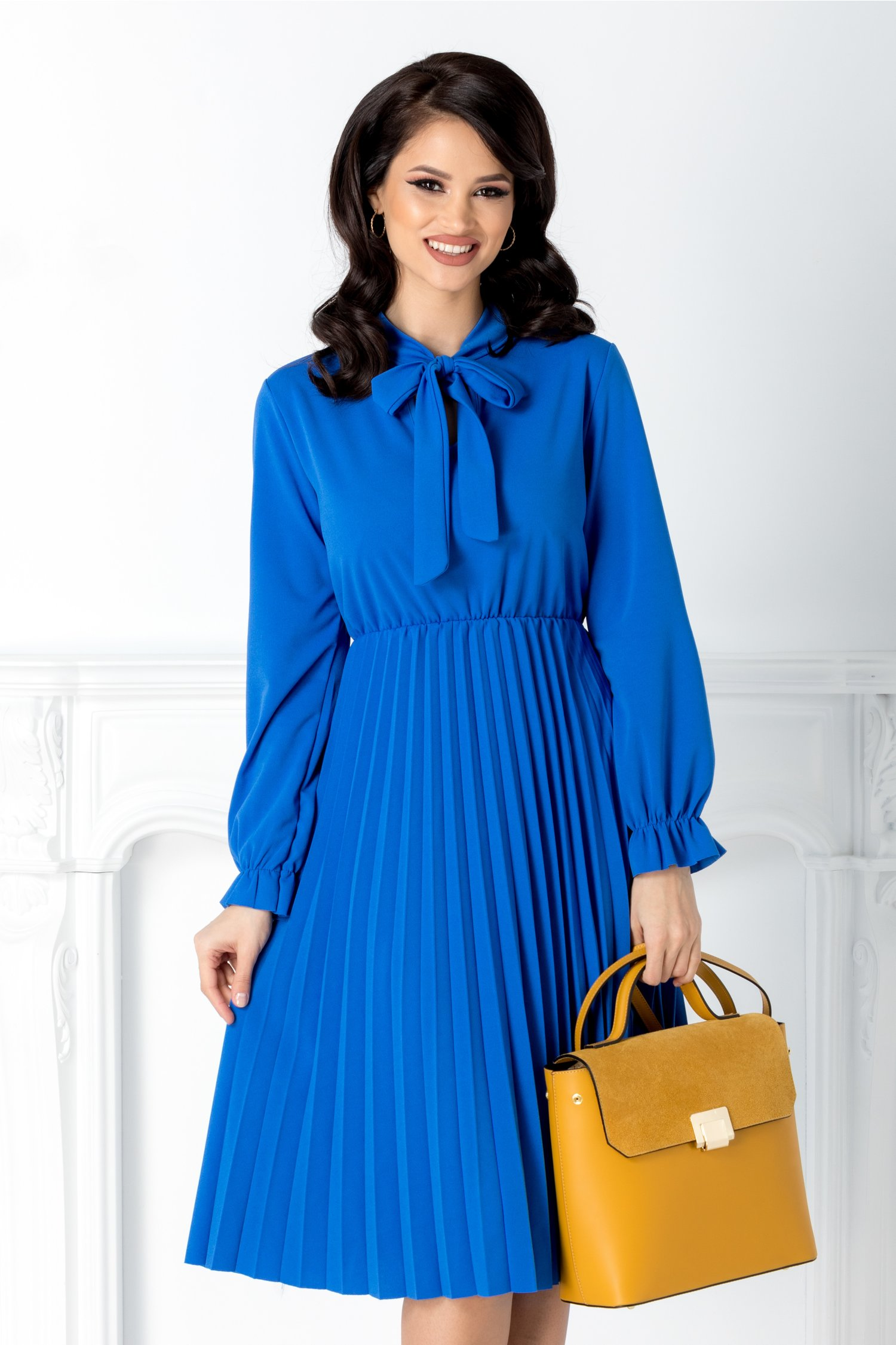Rochie Asha albastra midi plisata cu funda la guler