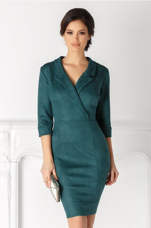 Rochie Aura verde catifelata cu decolteu petrecut