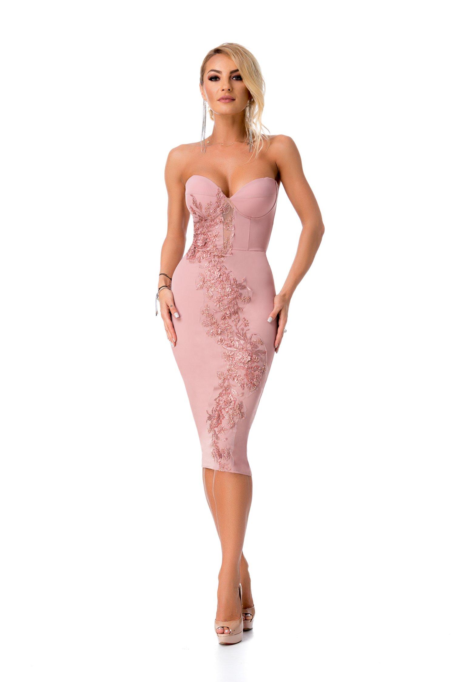 Rochie BBY roz prafuit cu broderie 3D si margele