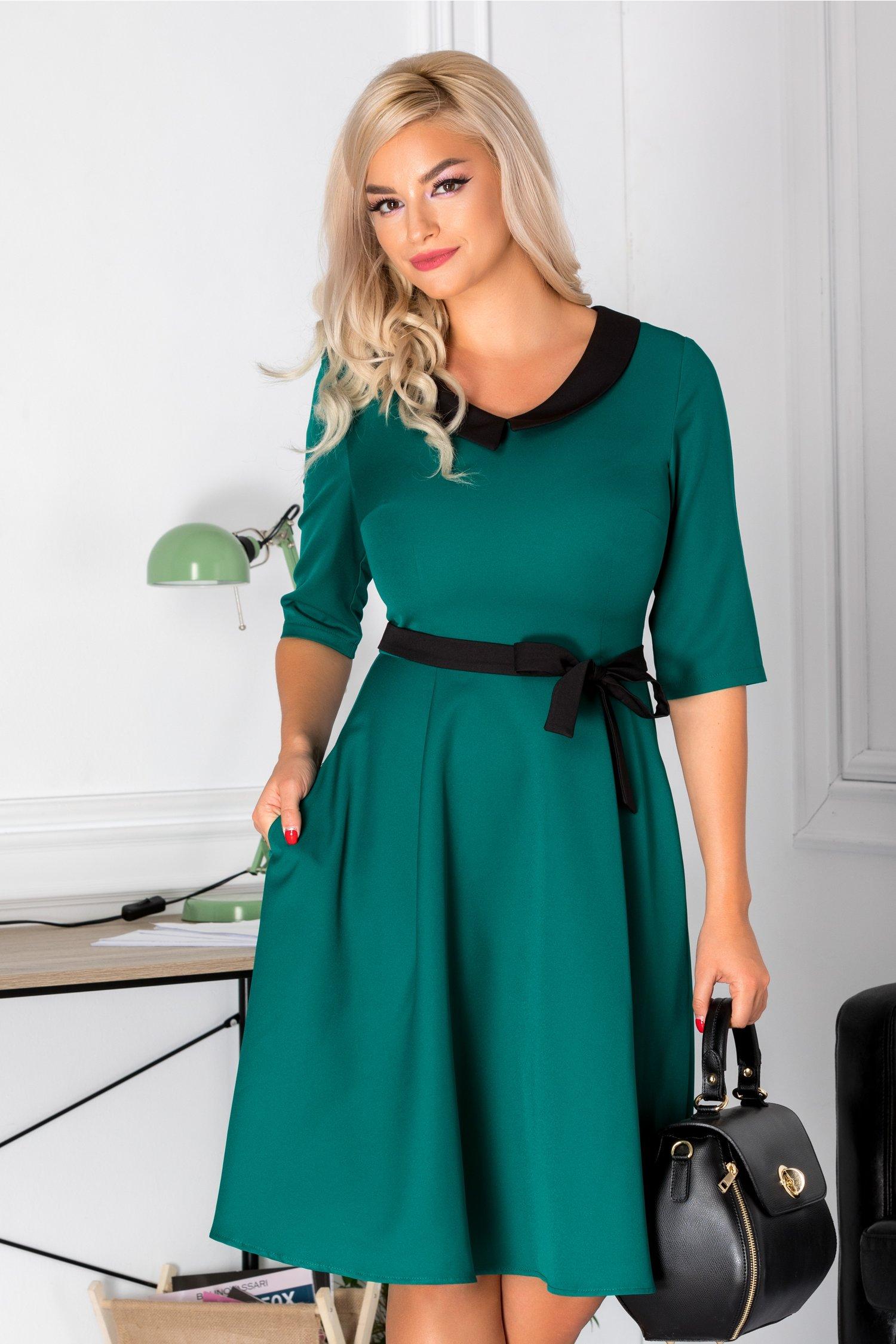 Rochie Blanca clos verde cu guler negru