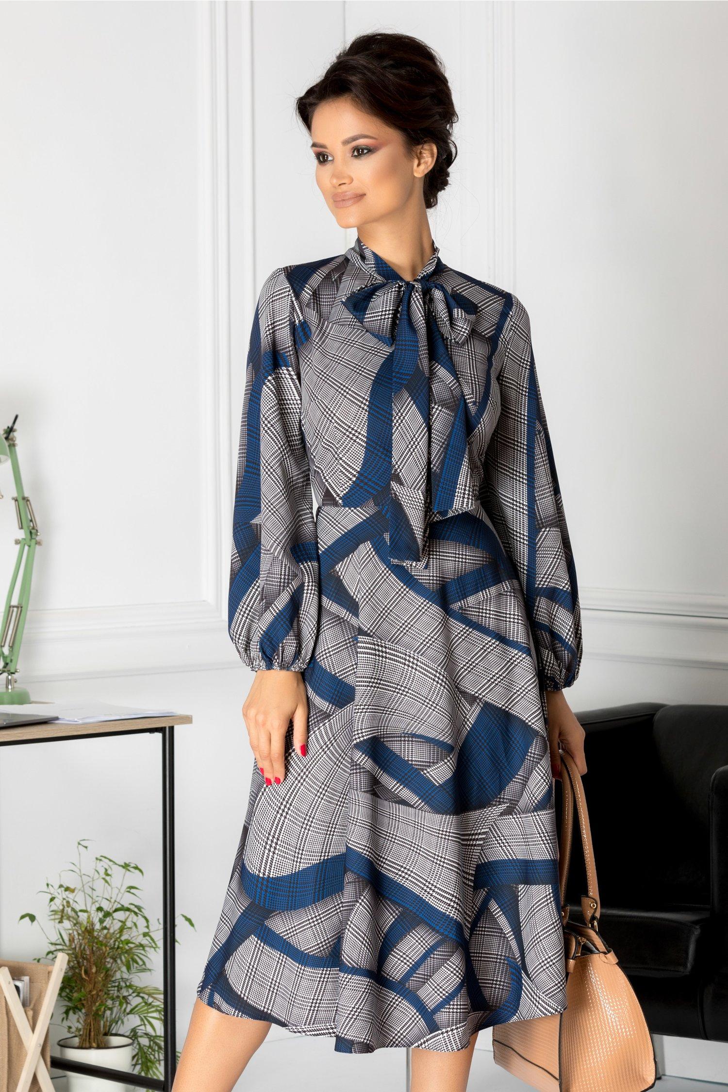 Rochie Brise midi cu imprimeu gri si albastru