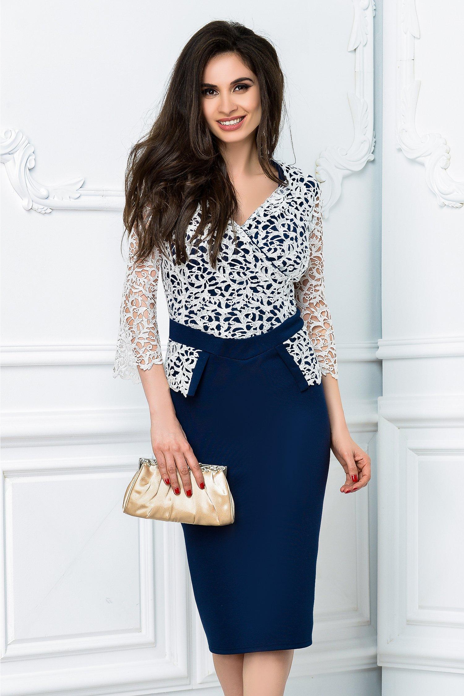 Rochie Calipso midi bleumarin cu alb cu decolteu de ocazie
