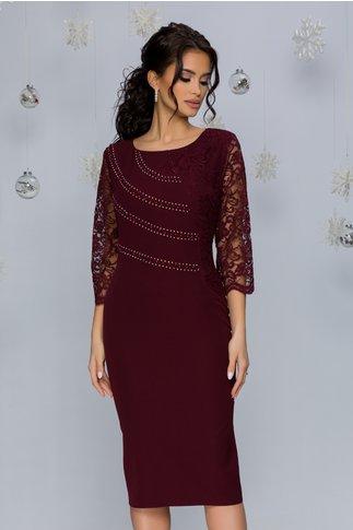 Rochie Callie burgundy accesorizata cu dantela si strasuri