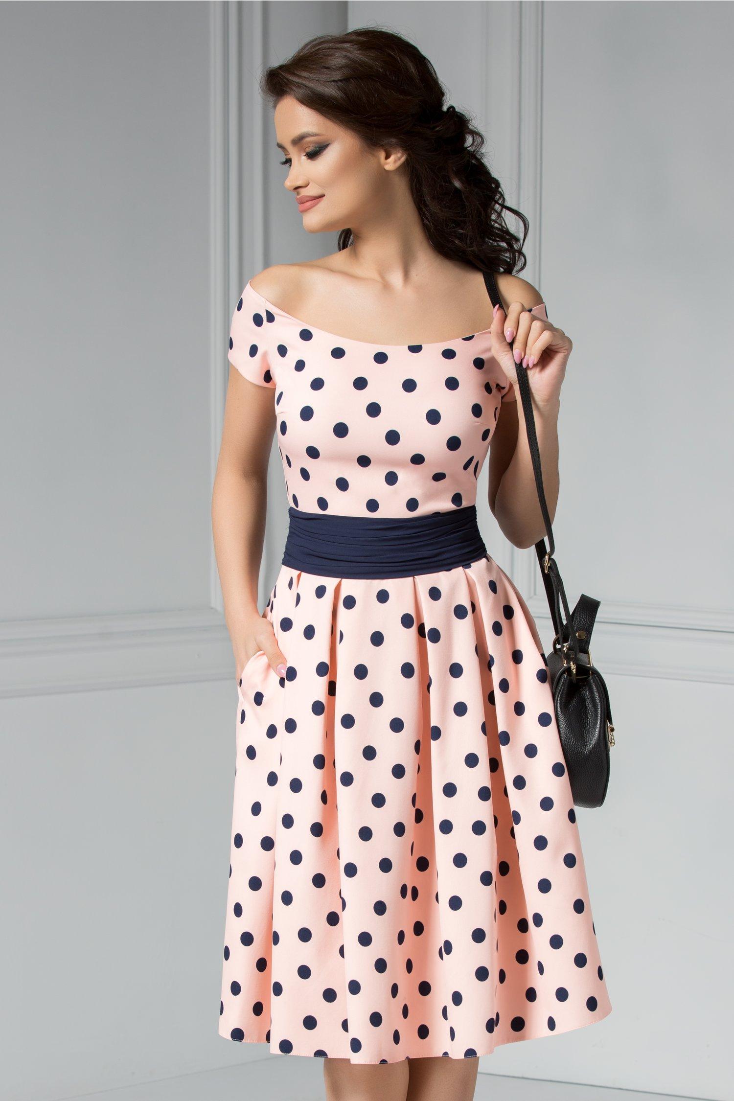 Rochie Carine roz cu buline bleumarin midi
