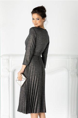 Rochie Carla neagra plisata cu decolteu petrecut