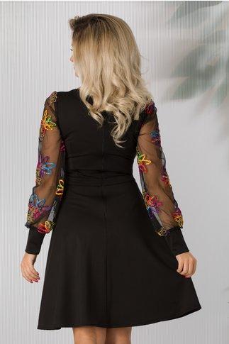 Rochie Carolina neagra cu broderie multicolora