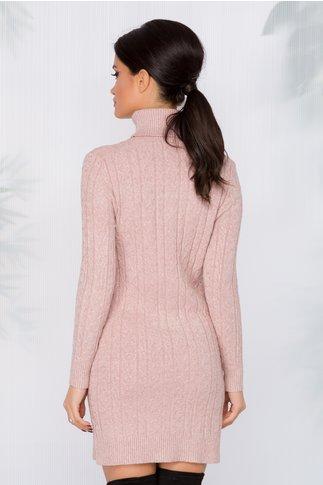 Rochie casual roz pudrat cu textura raiata si guler inalt