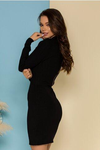 Rochie Chloe neagra tricotata accesorizata cu nasturi aurii