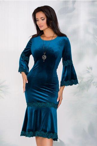 Rochie Cleopatra turcoaz din catifea cu insertii din dantela si margelute