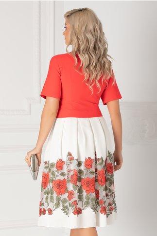 Rochie corai cu imprimeu floral la baza